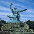 長崎・平和記念像
